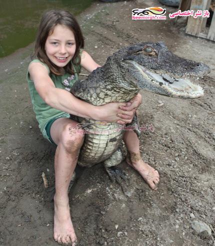 دختری شجاع که با 350 تمساح زندگی میکند !!