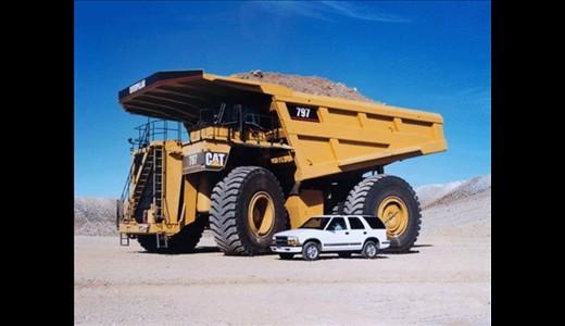 کامیون هایی بزرگتر از یک ساختمان (تصویری)