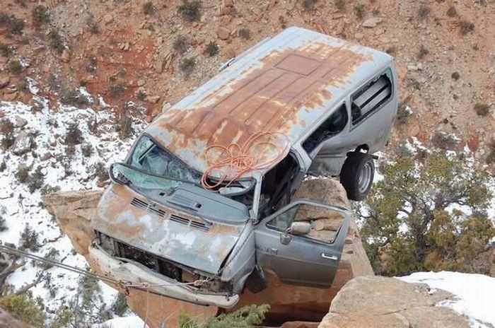 خوش شانس ترین راننده دنیا (تصویری)