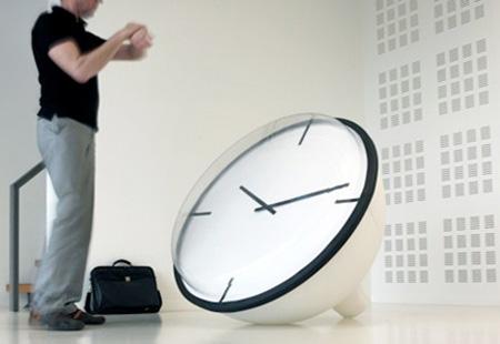 عجیب ترین و زیباترین ساعت های دیواری جهان
