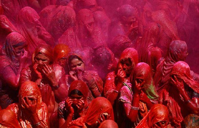 عکس های دیدنی از فستیوال رنگ ها در هندوستان