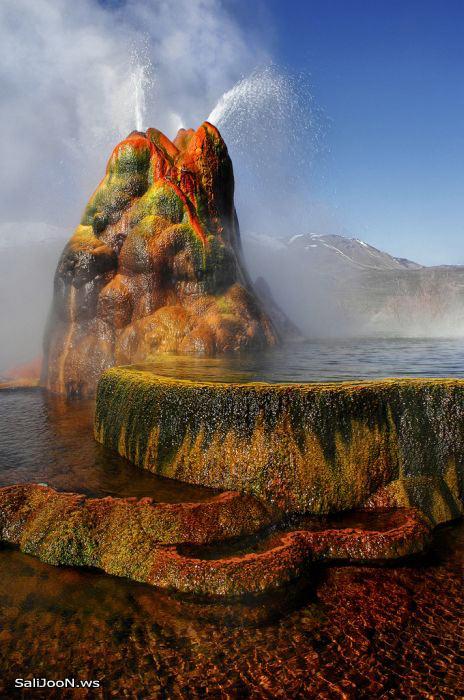 عکس های شگفت انگیز از یک چشمه آب گرم