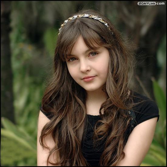 عکس های زیبا ترین دختر جهان از نگاه کتاب گینس | www.irannaz.com