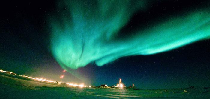 تصاویری زیبا از پدیده شگفت انگیز شفق قطبی