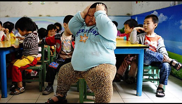 عکس هایی دیدنی از چاق ترین کودک 4 ساله جهان