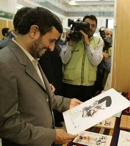 جالب ترین عکس از احمدی نژاد در حال ….