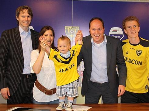 قرارداد باشگاه معروف با فوتبالیست 18 ماهه