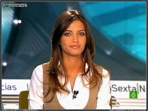 عکس های جذاب ترین زن گزارشگر جهان سال 2010