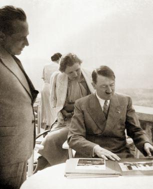 عکس هایی بسیار کمیاب و دیدنی از معشوقه هیتلر