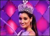 پیشنهاد بالیوودی ها به زیباترین دختر هند
