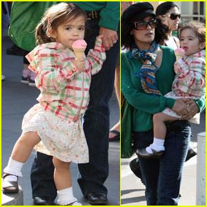 استعداد باور نکردنی دختر 2 ساله یک بازیگر معروف