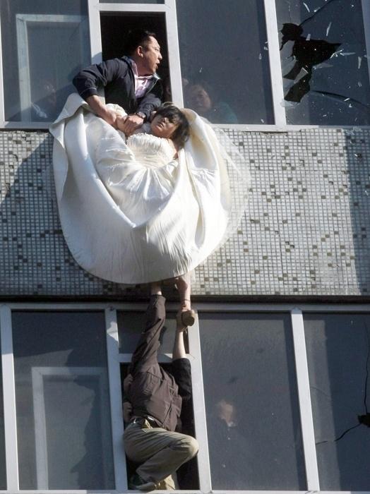 عکس هایی باور نکردنی از خودکشی عروس خانم