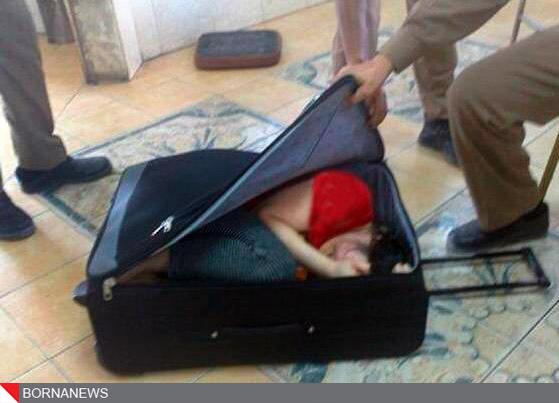 قاچاق بسیار عجیب دختر 20 ساله با کیف+عکس