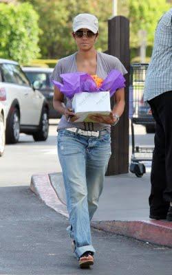 عکس هایی از خوش هیکل ترین زن هالیوود