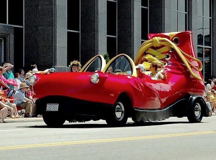 عکس های دیدنی از جشنواره رژه ماشین های عجیب و غریب / www.irannaz.com