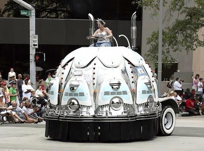 عکس های جشنواره رژه ماشین های عجیب و غریب