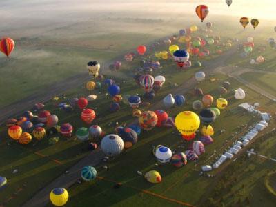 عکس هایی بسیار جالب و دیدنی از فستیوال بالن ها