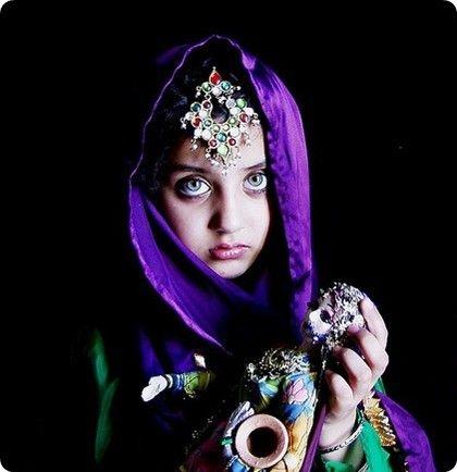 عکسهای دختری افغان با زیبا ترین چشم جهان