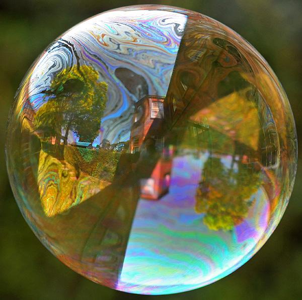 عکسهای لحظه ترکیدن یک حباب