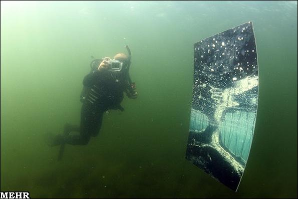 اولین نمایشگاه عکس در زیر آب