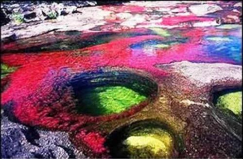 عکس هایی از زیباترین دریاچه جهان