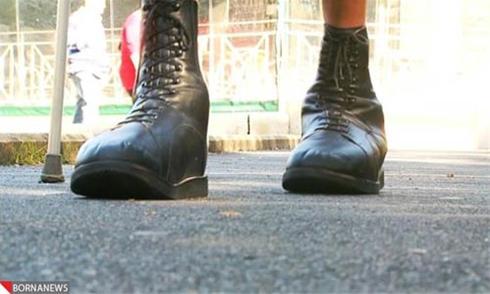 ساخت کفش برای بزرگ ترین پای دنیا + عکس