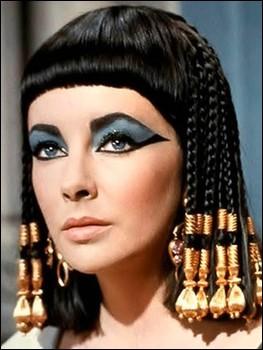 و این بار آنجلینا جولی در نقش ملکه مصر+تصاویر