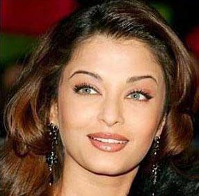تفاوت چهره ملکه زیبای هند با آرایش و بدون آرایش