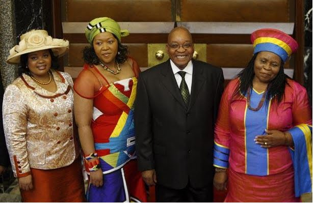 رئیس جمهوری با پنج زن و 20 فرزند + عکس