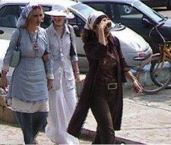مانور دختران جلوه فروش در خیابان های تهران