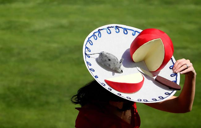 عکس هایی جالب از کلاه های عجیب و غریب