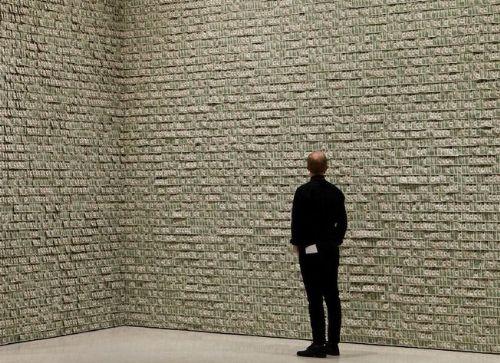 عکس هایی دیدنی از اتاقی که با دلار ساخته شده