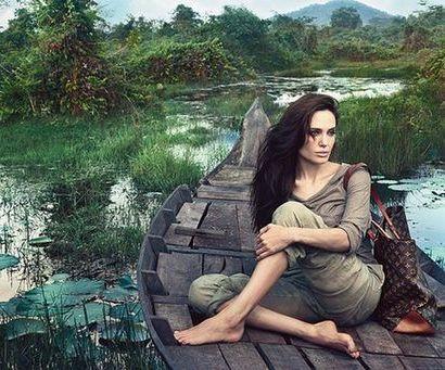 2 پوستر از ژست بسیار زیبای آنجلینا جولی