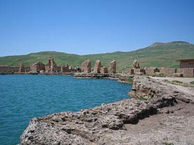 کوهی در ایران که سلیمان جن ها را در آن زندانی می کرد!!