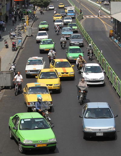 رانندگی بی نظیر برخی از ما ایرانیان !!! ( تصویری )