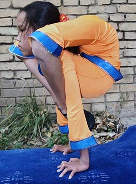 عکس هایی باور نکردنی از دختری با انعطاف بدنی  بالا