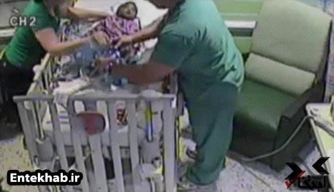 عکسهایی از لحظه خفه کردن نوزادی توسط مادرش!!
