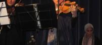 عکسهای اولین خواننده مجاز زن ایران پس از انقلاب !!
