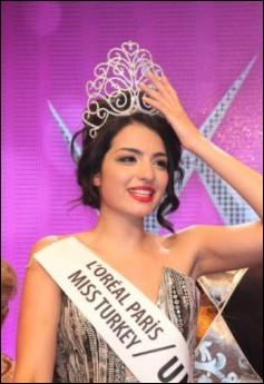 زیباترین دختر ترکیه در سال 2011 + عکس