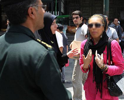 عکس هایی از برخورد با بد حجابی در تهران ، تیر 1390