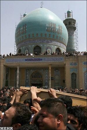 عکس هایی از مراسم خاکسپاری روح الله داداشی