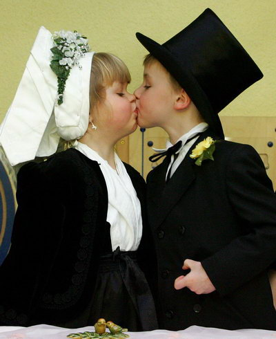 عکس هایی بسیار دیدنی از زوجهای کوچولو و با نمک