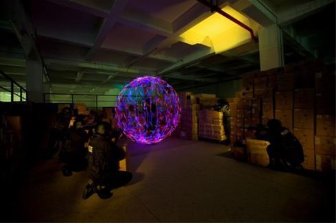 شگفت انگیزترین تصاویر از عکاسی از ترکیب نور و لیزر