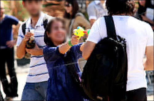 عکس های دختران بد حجاب در جشن آبپاشی تهران