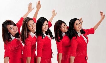زیباترین دختر مهماندار خطوط هواپیمایی جهان +عکس