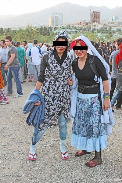 عکس های دختر و پسرهای خزباز در پارک پردیسان