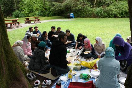 تفریح دختران از ونکوور کانادا تا تهران (گزارش تصویری)