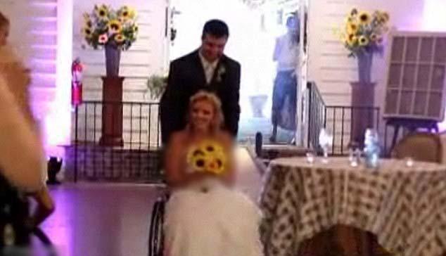 ازدواج زیبای یک دختر فلج با نامزد وفادارش!! + عکس