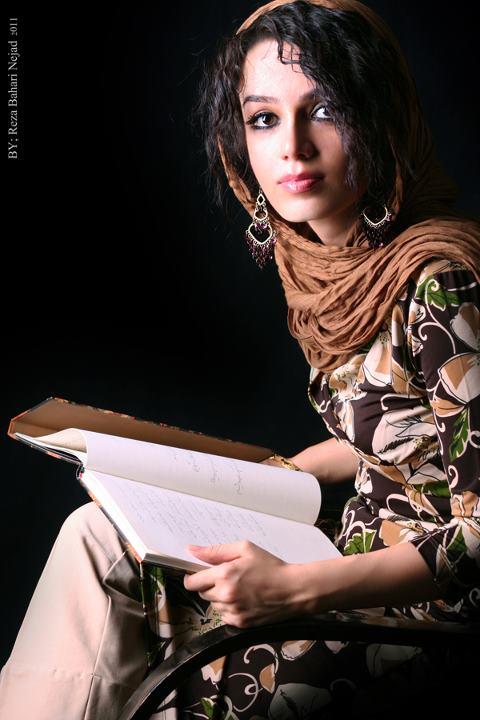 عکسهای جدید مونا برزویی شاعر ترانه های شادمهر ، www.irannaz.com