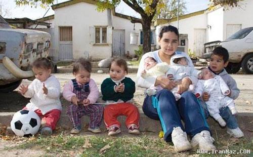عکس هایی دیدنی از دختری 17 ساله با 7 فرزند !!